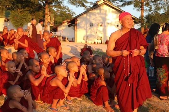 緬甸弄曼沙彌學院正式開學