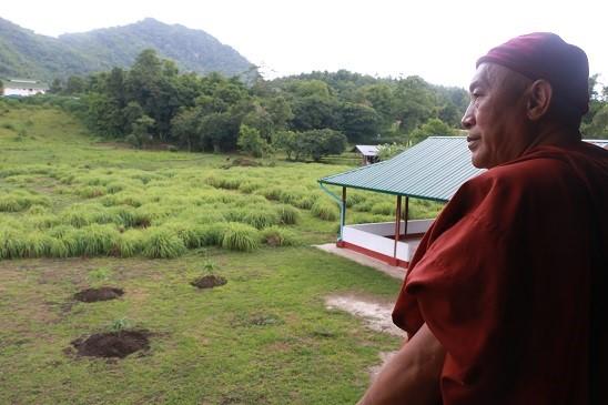 心道法師赴緬甸弄曼臘戌大善園寺愛學日校舍、道路、電力系統功德迴向典禮