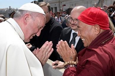 心道法師赴梵諦岡與天主教教宗方濟各會面,邀請天主教一同加入生命和平大學計畫